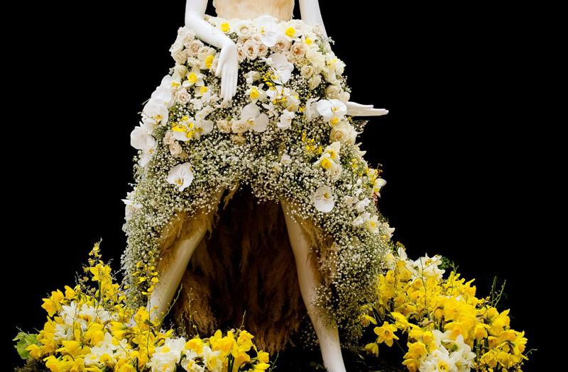 Fleurs De Villes Efferve Floral Mannequin